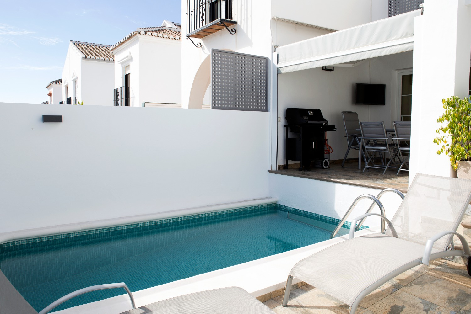 Townhouse with 3 bedrooms and private pool for sale in El Condal